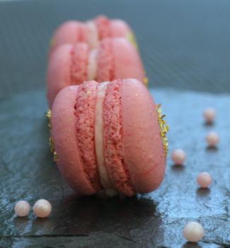 et des macarons la meringue suisse a vous dit la cuisine de mercotte macarons. Black Bedroom Furniture Sets. Home Design Ideas