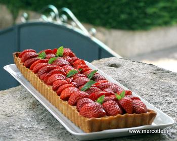 tarte_fraises_rhubarbe_amandes__2_.JPG