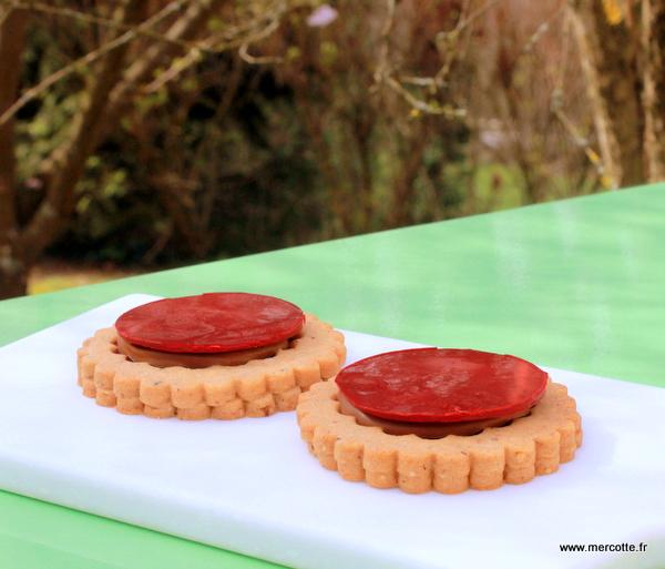 La cuisine de mercotte macarons verrines et chocolat sabl s giandiuja framboise print - La cuisine de mercotte ...