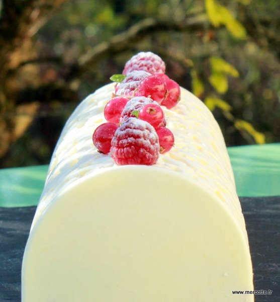 Buche de noel fruit rouge mascarpone