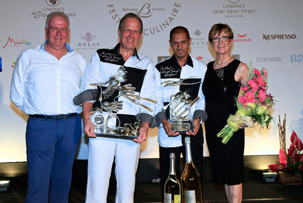 festival_culinaire_bernard_loiseau_2016_prize_giving_the_winners_with_Jean_Jacques_Vallet_and_Dominique_Loiseau.jpg