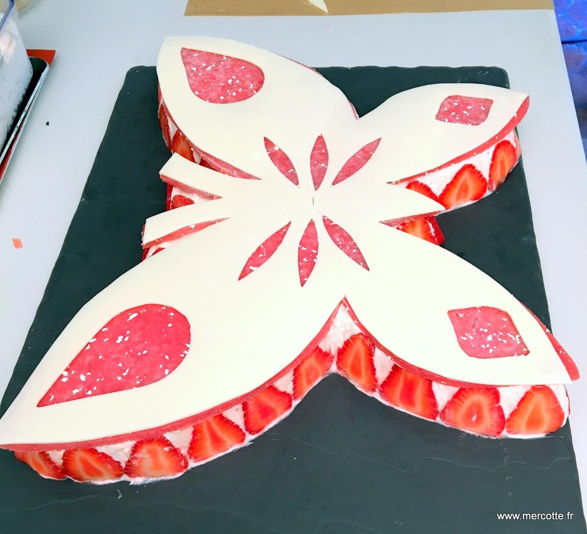Le papillon l preuve technique de la finale du meilleur - Decoration gateau papillon ...